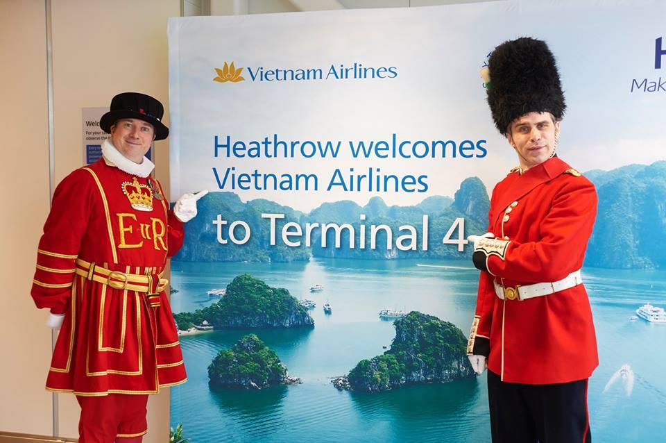 vietnam airlines tại sân bay anh 3