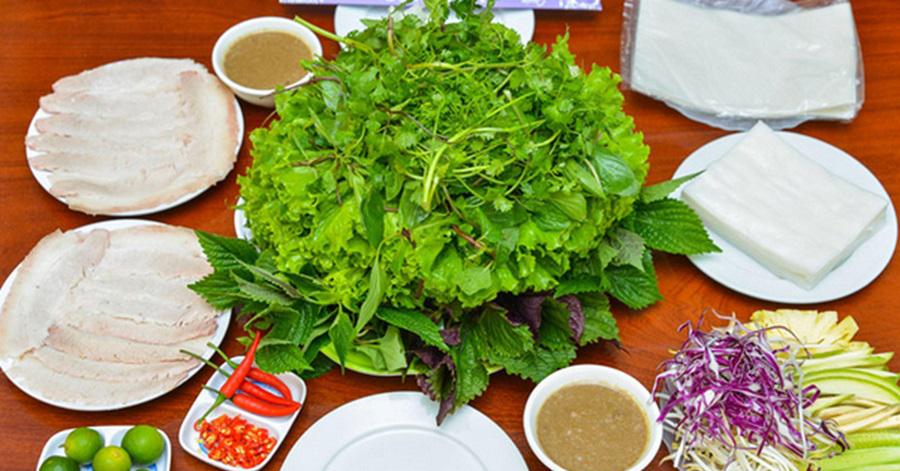 Bánh tráng cuốn thịt heo - món ăn vô cùng ngon miệng tại Đà Nẵng