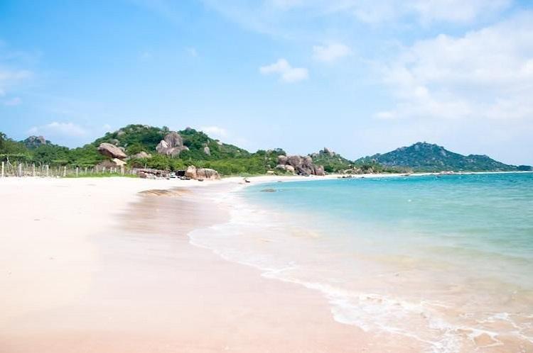 Du lịch Thanh Hóa, đừng quên ghé biển Hải Hòa