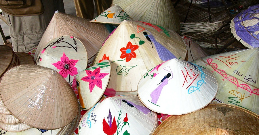 Gợi ý đặc sản mua về làm quà ở Huế của dulichdaiduong.vn