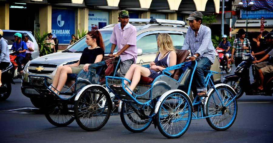 Tour xích lô dạo quanh Sài Gòn