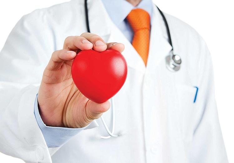 Bệnh nhân tim mạch cần cẩn trọng khi đi máy bay