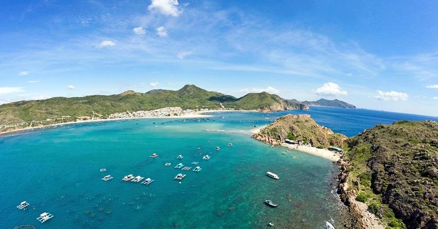 Săn vé máy bay giá rẻ đi quy nhơn để đến với thành phố biển tuyệt đẹp này