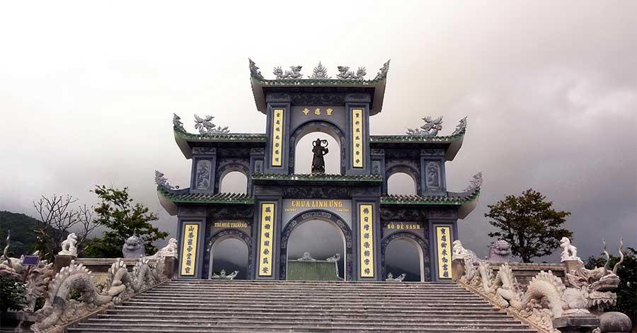 Chùa Linh Ứng - Bãi Bụt